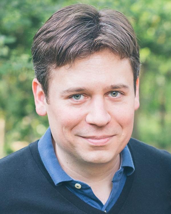 Headshot of James Cahoon